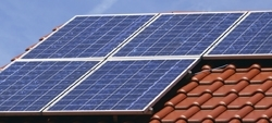 El Gobierno legisla en contra de los consumidores que quieren producir su propia energía